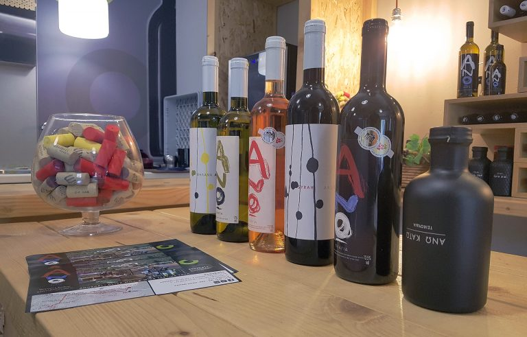 Wine and olive oil Tasting in Crete
